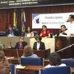 Sessão especial celebra dia do assistente social