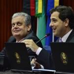 Gervásio anuncia parcela do 13° aos servidores da Assembleia