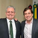 Gervásio transmite cargo de presidente para deputado João Bosco Carneiro